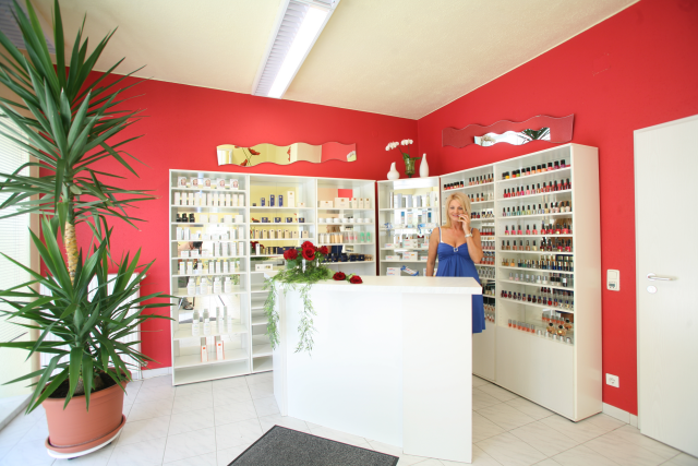 Schwandorf - Beauty and Nails Company - Empfang